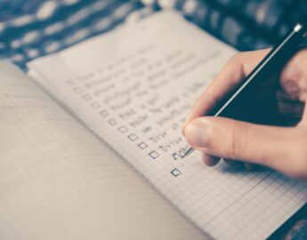 Qual a importância de um checklist para gerenciar seus ativos?